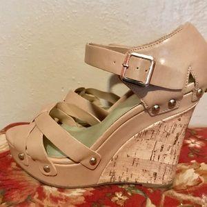 Shoes - Tan wedge shoe